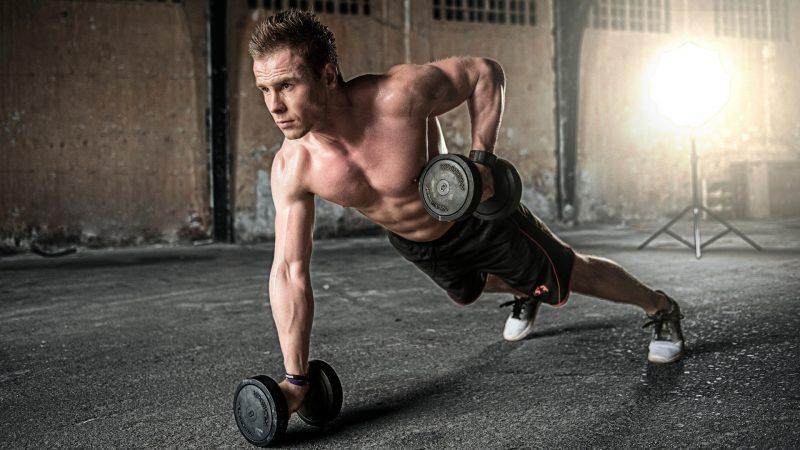 Effizienter Muskelaufbau: Braucht der Körper Nahrungsergänzungsmittel?